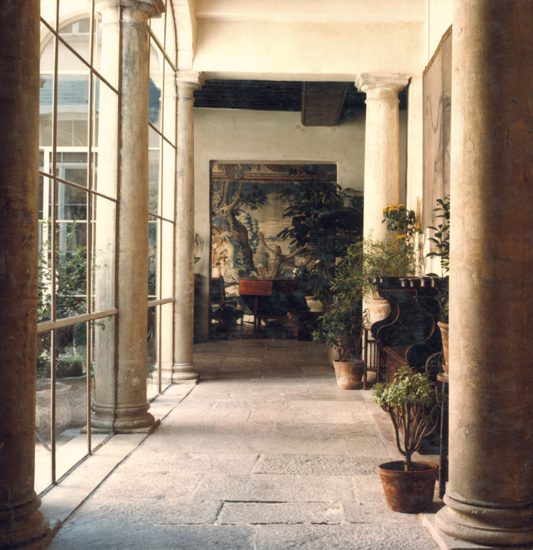 The interior of the Vlaeykensgang in the 1970s, the company's original home.jpg